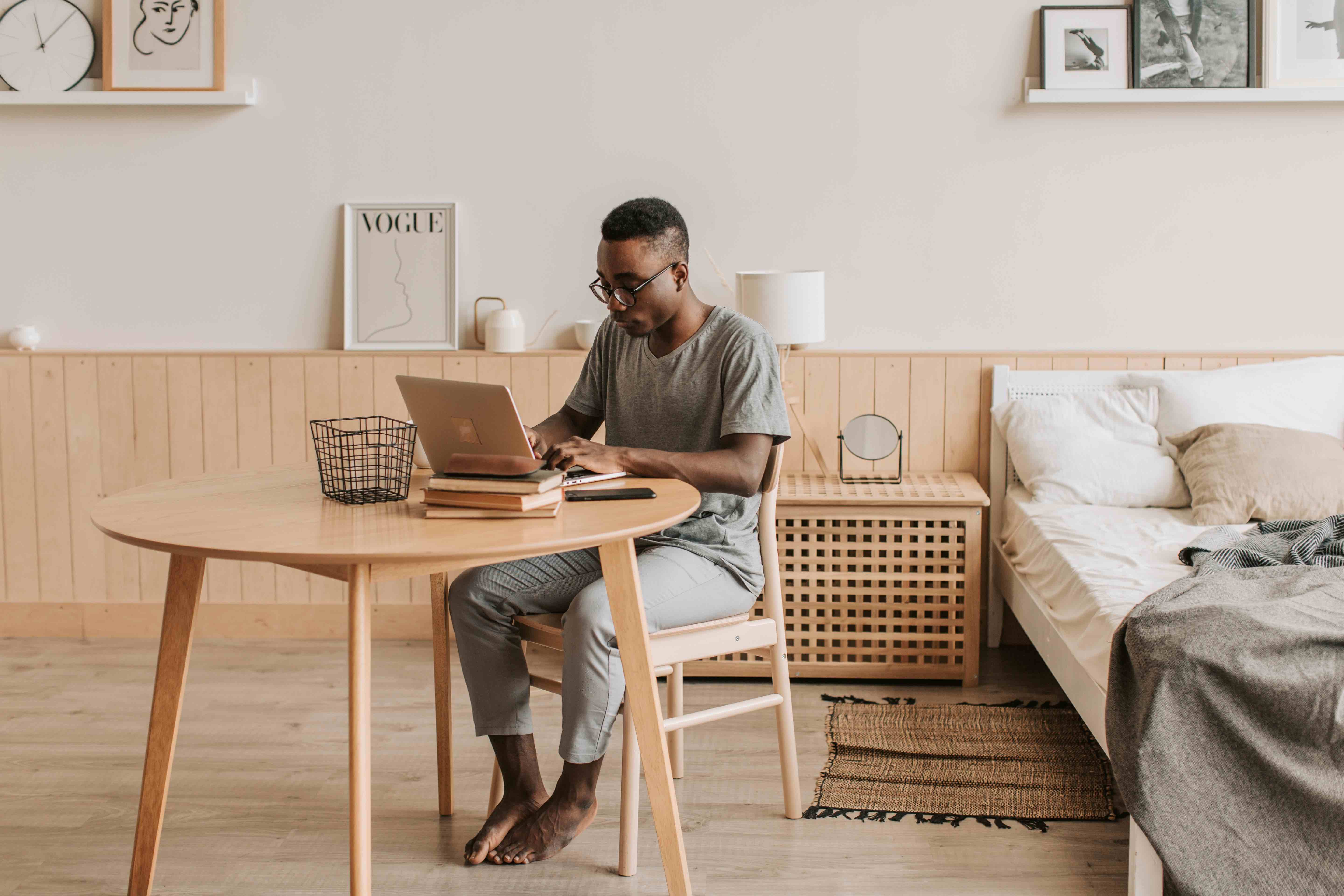 how to turn your bedroom into an office